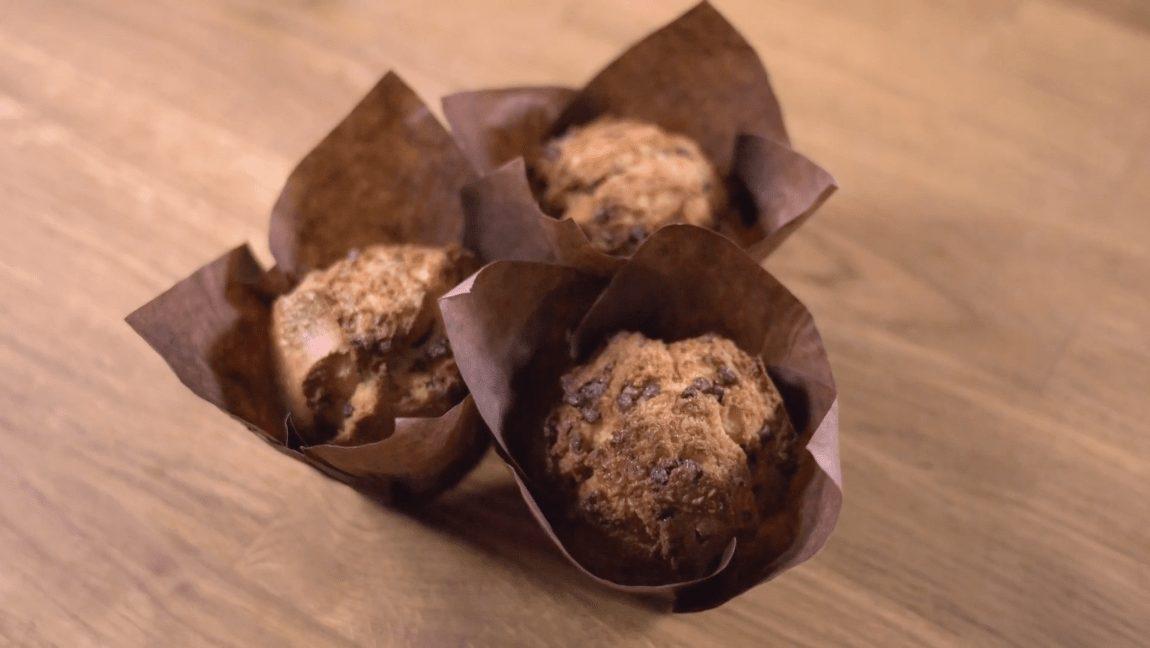 muffin con azucar perlado, muffins with pearl sugar, muffins avec du sucre perlé